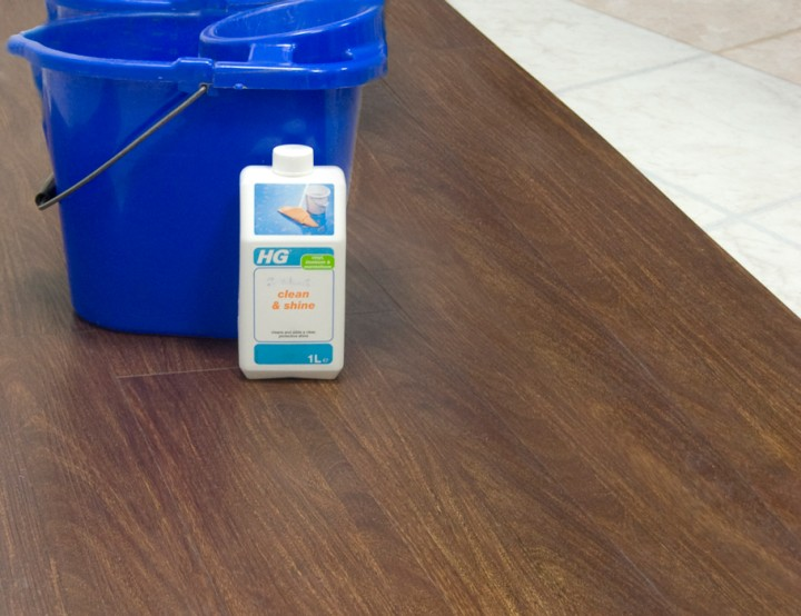 MULTIPANEL CLEAN & SHINE SOLUTION 1L - (FOR CLICK & STICK RANGE FLOORING)
